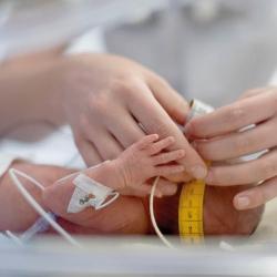 Te vroeg geboren baby's hebben extra zorg nodig!