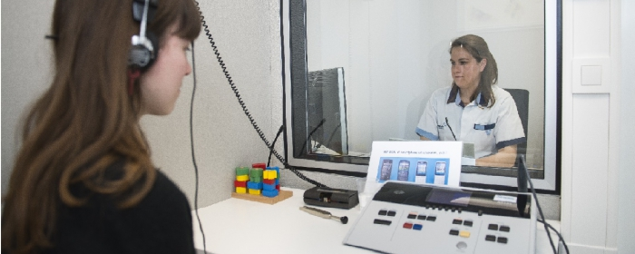 Bij de NKO-afdeling kan u een gehoortest doen voor de behandeling van doofheid of slechthorendheid.